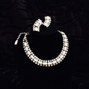 VINTAGE RHINESTONE & WHITE EARRINGS AND NECKLACE
